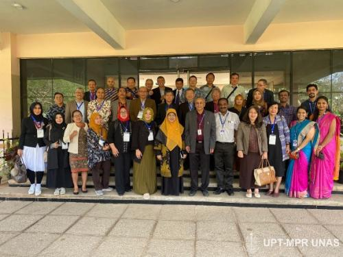 foto-bersama-APTIKOM-di-Sathyabama-Institute-of-Science-and-Technology