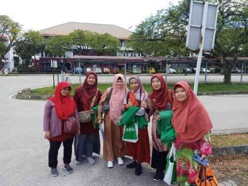 Para-dosen-FTKI-Unas-dalam-melakukan-kunjungan-ke-Universitas-di-Malaysia
