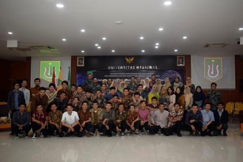 foto-bersama-seluruh-para-peserta-yudisium